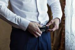 Équipez la mise sur une ceinture, homme d'affaires, politicien, le style du ` s d'homme, CMA image stock
