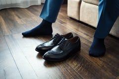 Équipez la mode, accessoires du ` s d'hommes, chaussures de vêtements d'homme d'affaires, Politi Image stock