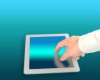 Équipez le comprimé numérique émouvant avec le fond de couleur de technologie Photos stock