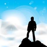 Équipez rester sur un dessus d'une montagne Photo libre de droits