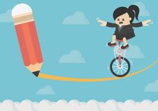 Équitation de femme d'affaires sur le vélo sur le risque Images libres de droits
