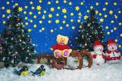 Équitation de Santa d'ours sur le traîneau Images stock