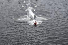 Équitation de scooter de l'eau Photo libre de droits