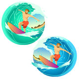 Équitation de surfer sur un conseil Photographie stock libre de droits