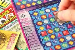 Éraflure des billets de loterie Photo stock