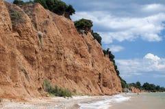 Érosion côtière de bord de la mer photo stock