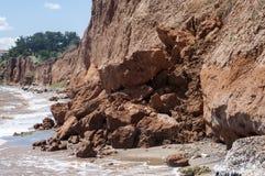 Érosion côtière de bord de la mer image stock