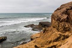 Érosion de Cliffside au point Loma Tide Pools images libres de droits