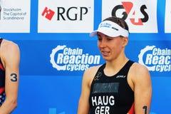 ÉSTOCOLMO - AGOSTO, 24: Anne Haug no pódio em um segundo lugar dentro Fotografia de Stock Royalty Free