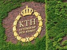 ÉSTOCOLMO - JULHO, 4: O emblema de KTH em Kungliga Tekniska Högsko Fotografia de Stock Royalty Free
