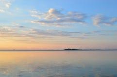 Été, coucher du soleil, le soleil, ciel, l'eau, lac, nature Image stock