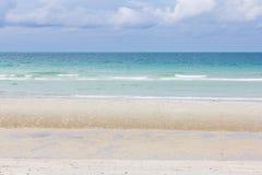 été de montagnes d'horizon de littoral de plage Image libre de droits
