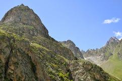 Été de silhouette de montagne d'enroulement Image stock