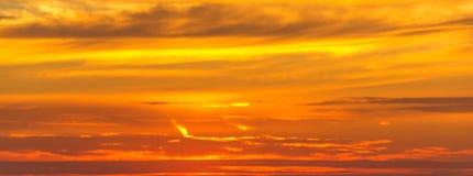 Établissement du soleil rouge d'été Images libres de droits