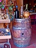 Établissement vinicole italien avec la bouteille et la bouteille de vin photo libre de droits