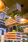 Étagère de fruits et légumes Photo stock