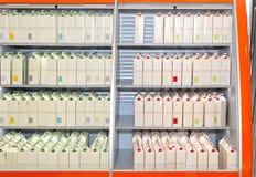 Étagère de lait Photos stock