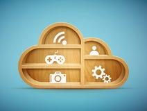 Étagère en bois de nuage avec des icônes Photos stock