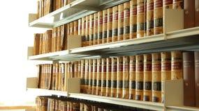 Étagères de bibliothèque photo libre de droits