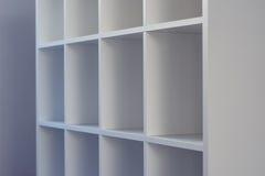 Étagères vides de bureau ou de bibliothèque de bibliothèque Image stock