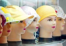 Étalage avec des chapeaux Images stock