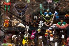 Étalage de touristes de boutique de souvenirs Photographie stock