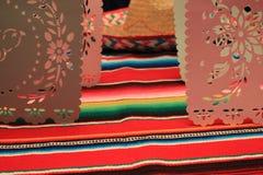 Étamine de décoration du cinco De Mayo de fiesta de fond de crâne de sombrero de poncho du Mexique Photo stock