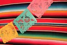 Étamine de décoration du cinco De Mayo de fiesta de fond de crâne de sombrero de poncho du Mexique Images stock