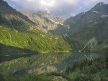 Étang de montagne photographie stock