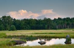 Étang et pré dans Hudson Valley, NY Image stock