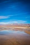 Étang se reflétant dans Death Valley Photographie stock