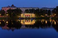 Étangs de patriarche la nuit moscou Russie Photo stock