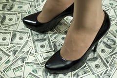 Étape à la richesse photos stock