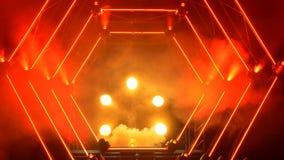 Étape avec des lumières de fumée et de tache Concept de présentation Podium moderne ou une étape avec les lumières et la fumée Image stock