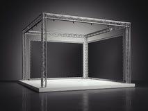Étape avec le cadre en métal dans le studio foncé rendu 3d Photo libre de droits