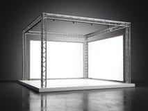 Étape avec les panneaux d'affichage vides dans le studio foncé rendu 3d Photos stock