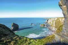 Étapes de Bedruthan vues du nord, sur la belle côte des Cornouailles, l'Angleterre images stock
