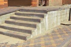 Étapes de maison d'entrée de bâtiment Entance fait un pas construction Photo libre de droits