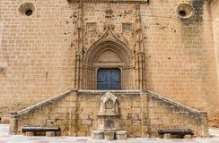 Étapes et porte de l'église de Javea Images libres de droits