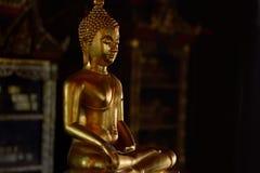 État d'or de Bouddha dans le style d'art comme fond photo libre de droits