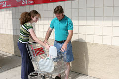 État de préparation d'ouragan - approvisionnements photo stock