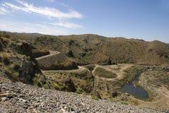 état de route de fleuve de stationnement de lac d'alamo à Williams Photos stock
