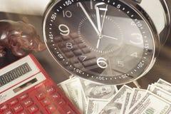 État financier Le temps, c'est de l'argent et richesse Concept de temps et d'argent Photographie stock