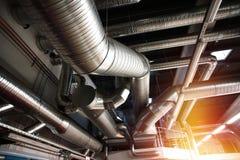 État industriel d'air de tuyaux et de conduits de ventilation Photo stock