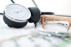 État médical et sphygmomanometer Image stock