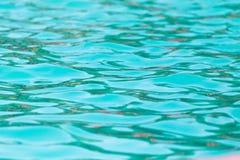 Étendue de l'eau dans la piscine comme fond images libres de droits