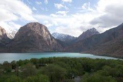 Étendue de lac Iskander-Kul tajikistan images libres de droits