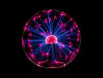 Étincelle électrique sur la boule de plasma Image libre de droits