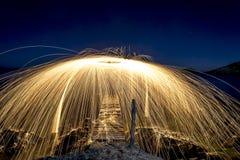 Étincelles de nuit Image stock