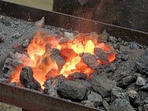Étincelles du feu de forge Photo libre de droits